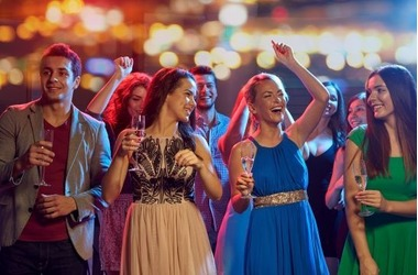 В Севастополе - самые дорогие в России платья для выпускников ФОТО, фото — «Рекламы Севастополя»