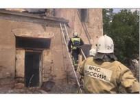 В Крыму четыре часа тушили пожар на 10 гектарах, угрожавший жилым домам ФОТО, фото — «Рекламы Евпатории»