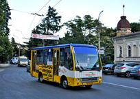 В Ялте 14 маршрутов будут ездить по новым направлениям, фото — «Рекламы Фороса»