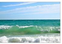 В Крыму одного пловца унесло за два километра от берега, другой чуть не утонул в 30 метрах, фото — «Рекламы Евпатории»