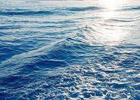 Синоптики прогнозируют резкое похолодание морской воды у берегов Крыма, фото — «Рекламы Фороса»