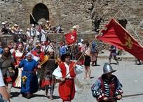 Битва началась: В Судаке открылся рыцарский фестиваль «Генуэзский шлем» ФОТО, фото — «Рекламы Фороса»