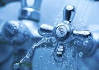 Крымчанам советуют срочно сделать трехдневный запас воды, фото — «Рекламы Крыма»