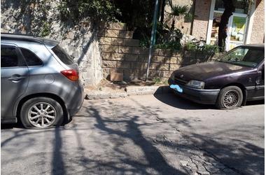 В Ялте массово режут колеса неместным автомобилям, фото — «Рекламы Крыма»