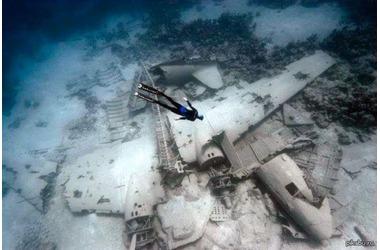 В Крыму затопят в море самолет, фото — «Рекламы Партенита»