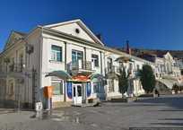 На набережной Севастополя запретили продавать чай и тельняшки, фото — «Рекламы Севастополя»