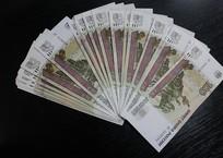 Крымчанке за потоп в квартире соседи заплатили 100 тысяч рублей, фото — «Рекламы Крыма»