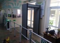В Керченском политехническом колледже устанавливают охранные комплексы и новые окна ФОТО, фото — «Рекламы Крыма»