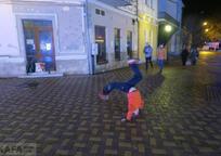 Category_yunyy-parkurshchik-perekvalifitsirovalsya-v-ulichnogo-shoumena-video__1_2018-12-27-09-23-56