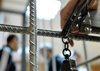 Работники севастопольской фирмы молотком «выбили» деньги у начальника, фото — «Рекламы Севастополя»