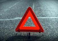 Автомобилист не справился с управлением и врезался в дерево в Симферополе ФОТО, фото — «Рекламы Симферополя»