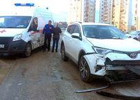 В Севастополе женщина с детьми на автомобиле влетела в «скорую» ФОТО, фото — «Рекламы Севастополя»