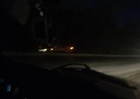 На скользкой дороге под Севастополем автомобили заносит в кювет, фото — «Рекламы Севастополя»