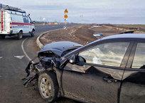 """На трассе """"Таврида"""" не разъехались иномарка и ВАЗ: двое в больнице ФОТО, фото — «Рекламы Симферополя»"""