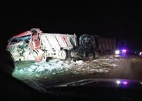 Ночью трассу «Тавриду» перекрыли из-за полыхающего грузовика ФОТО, фото — «Рекламы Симферополя»