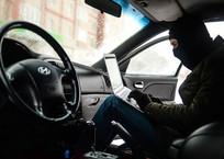 Крымчанин догнал и сдал полиции угонщика своей машины, фото — «Рекламы Крыма»