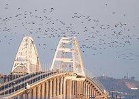 ДТП на Крымском мосту: пострадавшую вырезали из искореженной машины, фото — «Рекламы Приморского»