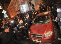 Порошенко до сих пор не рассчитался с крымским таксистом, фото — «Рекламы Приморского»