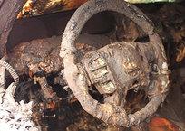 В Крыму дотла сгорела очередная легковушка, фото — «Рекламы Черноморского»