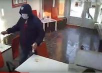 Жертвы нападения на отделение микрокредитов в Крыму: Если бы он чиркнул спичкой, мы бы заполыхали, фото — «Рекламы Симферополя»