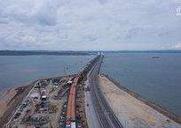 Связаны железом: строители собрали все пролеты ж/д части Крымского моста ФОТО, фото — «Рекламы Крыма»