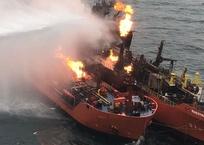 Из Керченского пролива начали растаскивать сгоревшие танкеры, фото — «Рекламы Фороса»