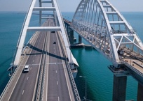 Путин пообещал досрочный запуск ж/д части Крымского моста, фото — «Рекламы Феодосии»