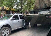 ДТП в Севастополе: «Оса» помяла крыло легковому автомобилю ФОТО, фото — «Рекламы Севастополя»