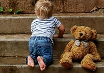 Category_boy_childhood_steps_teddy_outdoors_baby_toddler_small_happy-1162007.jpgd_-620x330