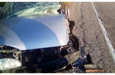 В Крыму легковушка столкнулась с молоковозом - пострадали пять человек, фото — «Рекламы Крыма»