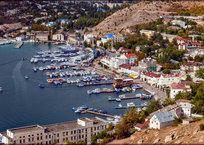 В Балаклаве ограничили доступ к набережной, фото — «Рекламы Севастополя»