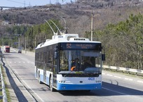 Обрыв троллейбусной линии «парализовал» трассу Ялта-Симферополь, фото — «Рекламы Ялты»