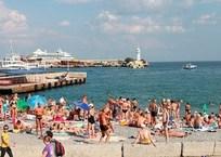 На ялтинском пляже 61-летний турист убил мужчину, фото — «Рекламы Феодосии»