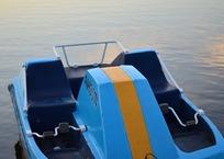 На ЮБК пятерых туристов на катамаране унесло в открытое море, фото — «Рекламы Партенита»