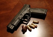 Top_news_handgun-231696_960_720