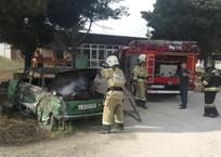 В поселке Дергачи загорелся «Запорожец»-мангал ФОТО, фото — «Рекламы Севастополя»