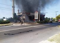 Что осталось от сгоревшего в Севастополе автомагазина ФОТО, фото — «Рекламы Севастополя»