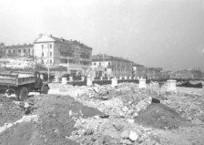 В сквере Ленинского комсомола снесли историческую каменную ограду ФОТО, фото — «Рекламы Севастополя»