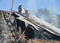 В Севастополе на улице Сладкова горел дом: пострадала женщина, фото — «Рекламы Севастополя»