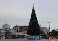 В Ялте началась подготовка к новогодним праздникам, фото — «Рекламы Крыма»