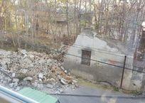 Рухнувшая стена сорвала газовую трубу в Симферополе , фото — «Рекламы Крыма»