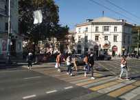 Идите буквой «Г»: в центре Севастополя ликвидируют пешеходный переход, фото — «Рекламы Севастополя»