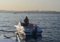 В Севастополе лодки и катера без флага РФ будут штрафовать, фото — «Рекламы Севастополя»