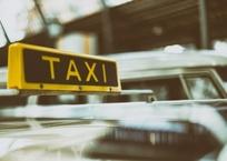 В Крыму 95 % таксистов трудятся нелегально, фото — «Рекламы Бахчисарая»