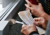 В Москве раскупили 90% билетов на первый поезд в Крым, фото — «Рекламы Симферополя»