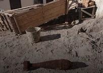 ЧП в Севастополе: Разбирали дом-развалюху, а нашли немецкую мину, фото — «Рекламы Севастополя»