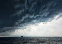 Вышел в море на каяке: в акватории Севастополя ищут пропавшего мужчину, фото — «Рекламы Севастополя»