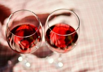Category_wine-glasses-2403116_1280