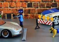 Category_police-2074033_1920