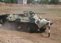 БТР в Крыму снес опору ЛЭП и скрылся, фото — «Рекламы Ялты»